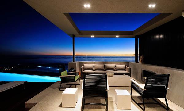 俯瞰美丽海景:开普敦奢华山顶豪宅